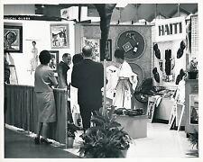 CHICAGO c. 1964 - Exposition Haïti Stand Illinois - USA 87