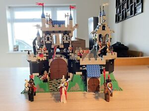 Vintage 1995 Lego Set 6090 Royal Knight's Castle Complete With Instructions