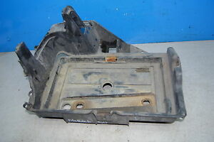 Dodge Durango Batteriekasten Batterie Platte Fach Kasten 55255047AE
