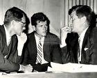 PRESIDENT JOHN F KENNEDY W/ BROTHERS ROBERT & EDWARD IN 1962 8X10 PHOTO (AZ031)
