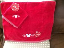 NEW Disney Primark Mickey Mouse Christmas Red & White Hand/Guest Towel