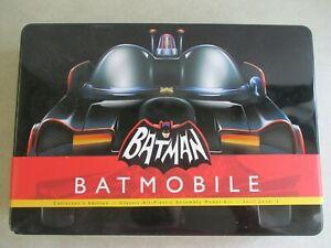 2010 BATMAN BATMOBILE COLLECTOR'S EDITION MODEL KIT POLAR LIGHTS 1:32 SCALE