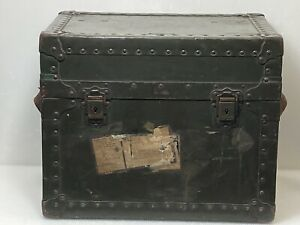 Vtg Steamer Herkert & Meisel Trunk 8/11/1944 Stock NO.63-C-553 WW2 14X17X13in