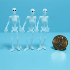 Dollhouse Miniature Halloween Plastic Skeleton Decoration Set of 3 MUL5359