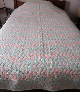 60S PAISLEY DOUBLE QUILT GREEN /PINK 166X 208 CMS