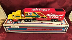 TERRY LABONTE #5 Kelloggs Racing 1994 ERTL 1/64 Transporter & 64 RCCA HO Car SET
