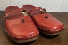 Clarks Women Mary Janes Mules Slip On Red Leather Closed Toe Sandals Sz 8M (GR5)