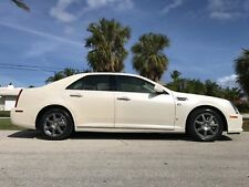 2008 Cadillac STS 4 - AWD - FRONT AND REAR HEATED SEATS. 2 OWNERS !