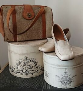 Vintage 1960s Miss Holmes Ostrich Leather Shoes. Size 3.5.