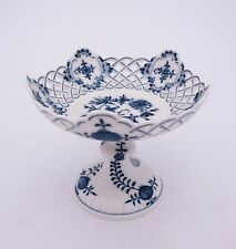 Bowl on foot - Meissen - Blue Onion - 1st Quality