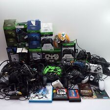 LOT OF CUSTOMERS RETURN VIDEO GAME CONTROLLER AND ACCESSORY (LOOK DESC.) T102