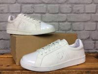 FRED PERRY MENS UK 6 EU 39 WHITE CANVAS PATENT TRAINERS