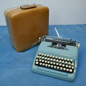 Smith-Corona Turquoise Silent~Super Portable Typewriter w/Case ~Nice~
