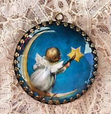 BABY ANGEL PAINTING A STAR ~ XL 35mm ROUND  PENDANT Filigree VINTAGE FANTASY