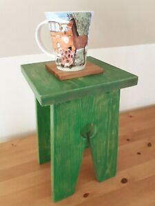 Small pine wood cracket, side table, end table, leaf green