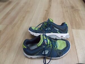 MENS KINETIC CORE SKECHERS TRAINERS SIZE 8