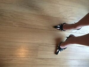 ladies Black and White kitten heel shoes size 7 Nearly New Leather Sling Backs