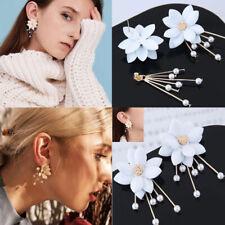 d83019c96146 Big Flor para Mujer Blanco Perla Cuentas de embutido de Camelia simulado  Aretes Regalo
