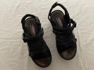 MBT Womens Sz 8 Kisumu Black Rocker Toning Sandals