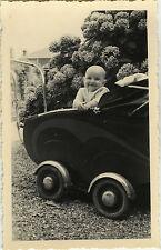 PHOTO ANCIENNE - VINTAGE SNAPSHOT - ENFANT BÉBÉ LANDAU DRÔLE - BABY CARRIAGE FUN