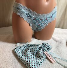 """VICTORIA'S SECRET, """"One Size"""", Cheeky Panties WITH Drawstring Bag.  NEW."""