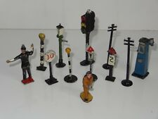 (W) britains crescent dinky LOT OF SIGNS FIGURES PUMPS