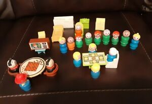 Vintage Lot Of: Plastic Fisher-Price Little People