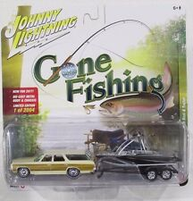 JOHNNY LIGHTNING GONE FISHING S2 '73 CHEVY CAPRICE w/BOAT & TRAILER #2 A 1/2004