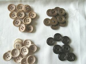 10 - 100  BEIGE / BROWN  BUTTONS SIZE 26  APPROX 17mm diameter