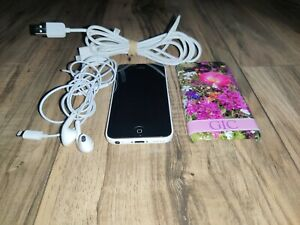 Apple iPhone 5c - 8GB - White -( Model A1532 ) (screen locked)