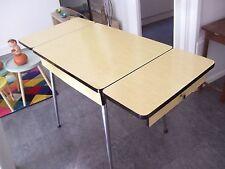 TABLE vintage FORMICA Années 50/60 jaune vif 2 tiroirs 2 rallonges
