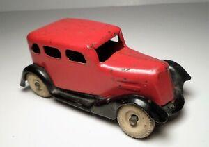 Wyandotte 1930's Ford Sedan Two Tone Red /Black Pressed Steel Metal Toy Car 4.5L