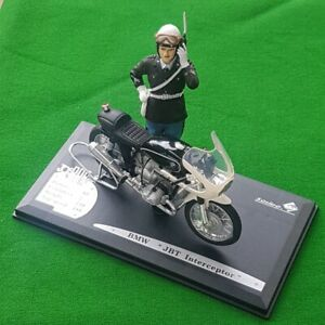Joe Bar Team Solido 1/18 BMW R 90/6 Police bike and rider. FREE POST