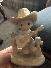 Precious Moments: Hallelujah Country - 105821 - Classic Figure