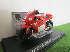 YAMAHA YZR500 #3 Max BIAGGI de 2001 rouge au 1/24 PRESSE moto miniature