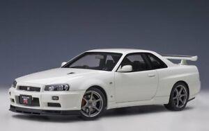 AUTOart 77406 - 1/18 Nissan (R34) V - Spec II (Blanc Pearl)