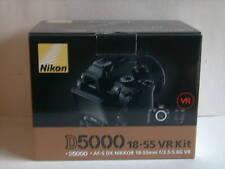 Nikon D5000 12.3 MP DSLR Kamera - Schwarz (Kit m/ 18-55mm Objektiv)