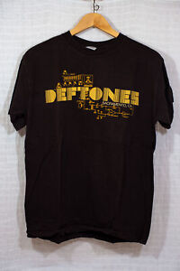 Deftones MEDIUM Concert Shirt Preowned