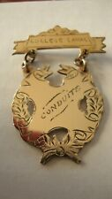 ANTIQUE GOLD PLATED BROOCH MEDAL COLLEGE LAVAL CONDUITE GOOD CONDUCT