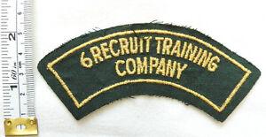 Military WW2 Australian 6 Recruit Training Company Shoulder Title Badge (4508)