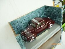 Ertl 7936 American Muscle 1940 Ford Deluxe Coupe braun lackiert  1:18 NEW OVP!