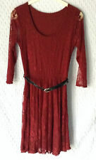 NUOVO Donna taglia 8-10 Maroon pizzo abito con girocollo e Cintura