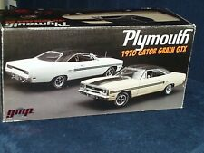 "GMP/ACME 1970 PLYMOUTH GTX ""GATOR GRAIN"" ROOF BEIGE/BLACK TRIM 1/18"