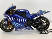 Minichamps 1:12 - Valentino Rossi - 2004 Yamaha YZRM1 - MotoGP