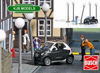 BNIB OO / HO BUSCH 7821 CRASHED CAR SCENE - SMASHED SMART CAR + FIGURE + LIGHTS
