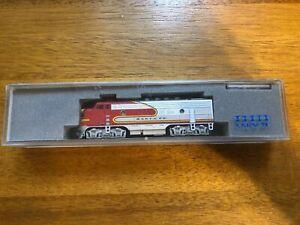 kato n scale locomotive EMD F3A AT&SF DCC decoder