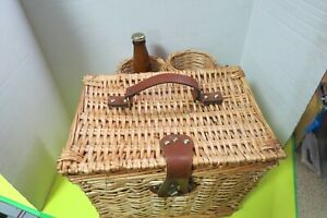 """Picnic Time Vino Wine Cheese Basket Blue Checkered Material Inside 12"""" x 12"""""""