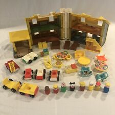 Vintage FISHER PRICE  Little People PLAY FAMILY HOUSE #952 w lLots Of Extras WOW