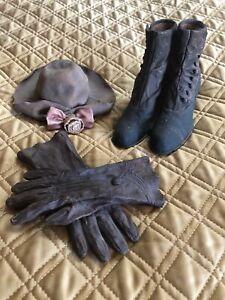 Antique Look Decorative 3-Piece Heavy Clay Set - Shoes, Hat, Gloves