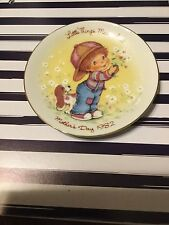 """1982 Mothers Day """"Little Things Mean Alot"""" Avon Mini Porcelain Collectors Plate"""
